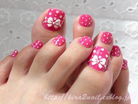 Рисунки на ногтях ног