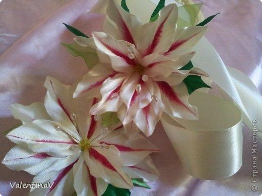 Лилии канзаши из атласных лент мастер класс